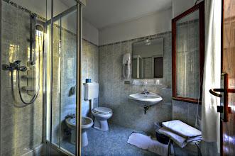 Photo: HOTEL CAPRERA - Bathroom
