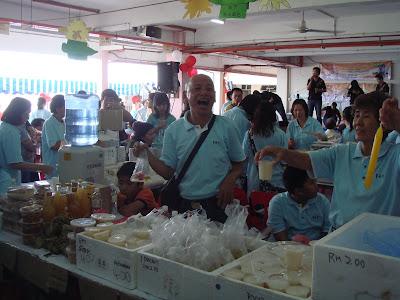 Uncle Selling Kuih