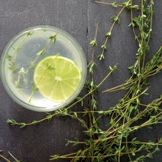 Lemongrass & Gin Drink.