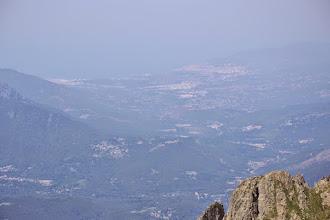 Photo: v pozadí v opare záliv gulfe d ´ Ajaccio a hlavné mesto Korziky Ajaccio
