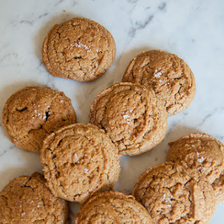 Flourless Salty Sweet Peanut Butter Cookies