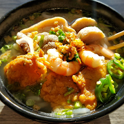 Banh Canh Dac Biet (Thick Rice Noodle Special)