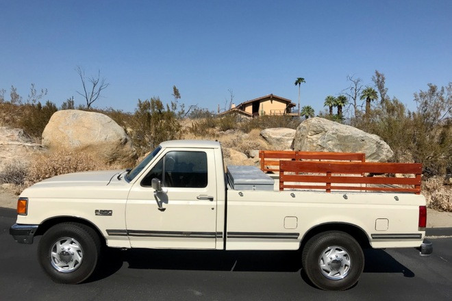Sweaty Ford F-250 perfect for music video or fashion photo shoots Hire Palm Springs