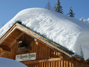 Photo: Die Sporta-Hütte für Selbstversorger ist herrlich gelegen und zu jeder Jahreszeit eine Reise wert.