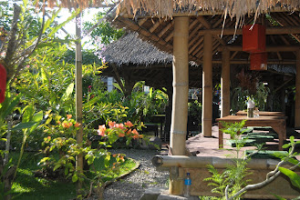 Photo: piccolo bar fuori Ubud
