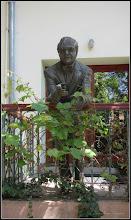 Photo: Piata 1 Decembrie 1918, Nr.1 - statuia lui Ion Ratiu - 2017.05.19