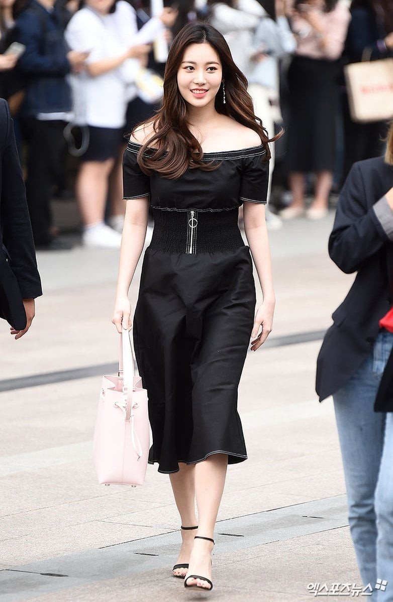 yura dress 29