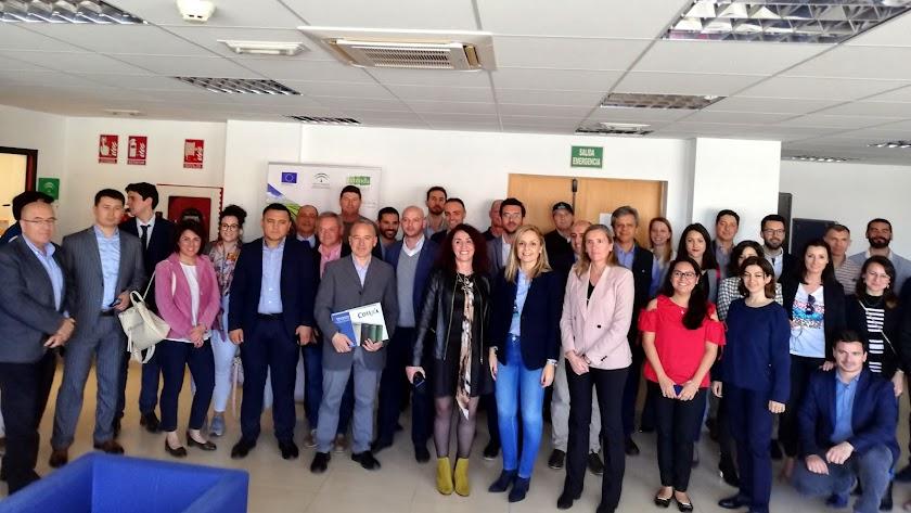 Foto de familia con agentes internacionales y empresas almerienses