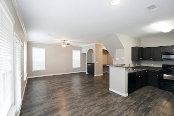 Go to The Houstonian Floorplan page.
