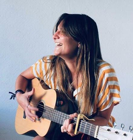 La cantautora Ali González.