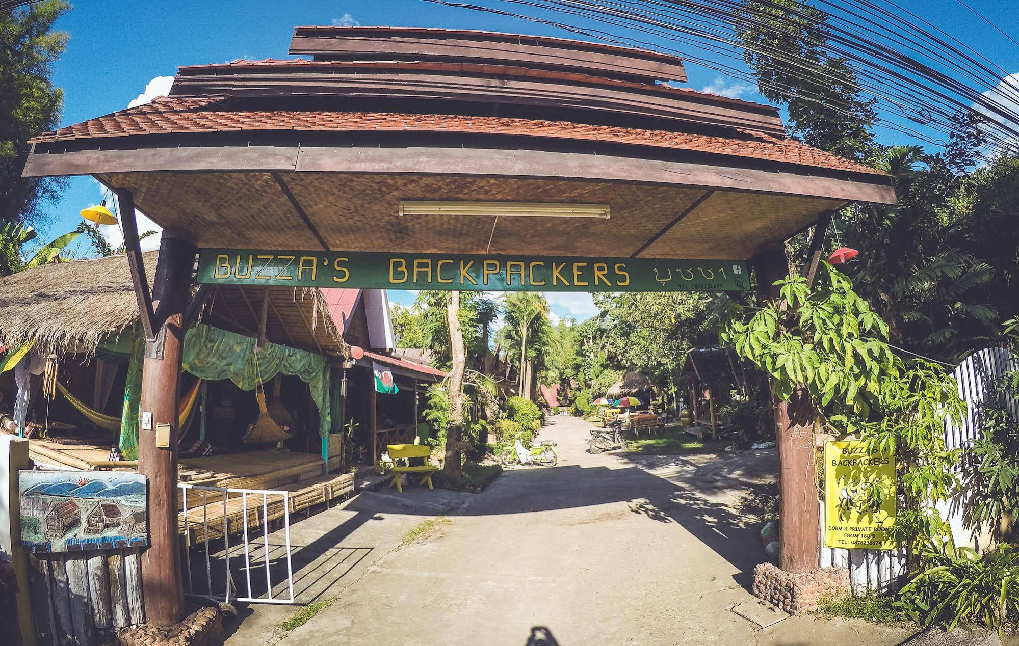 Buzzas Backpacker Pai Hostel