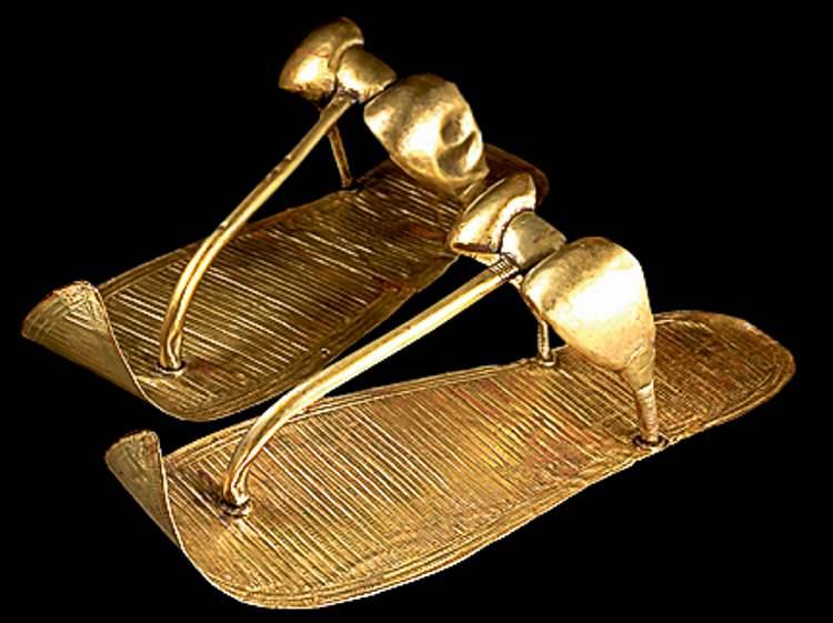 2008 Sandro Vannini TutankhamunÕs Golden Sandals have engraved decoration that replicates woven reeds.