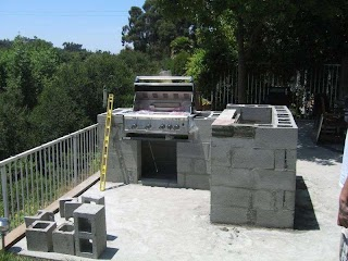 Outdoor Kitchen Construction Using Cinderblock Then Add Stacked