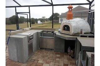 Pizza Oven Outdoor Kitchen with Wood Fired