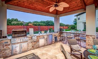 Bobby Flay Outdoor Kitchen The Advantages of Having an Platinum Pools