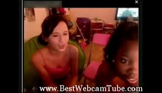 2 or more teen friends on webcam_09DAB53