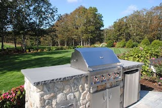 Small Outdoor Kitchen Budgetfriendly S Landscaping Network