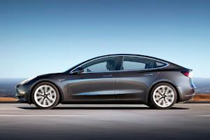 Eladó használt TESLA Model S / TESLA Model 3