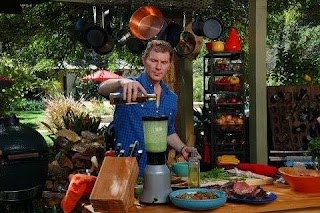 Bobby Flay Outdoor Kitchen I Love All The Gadets Has in His