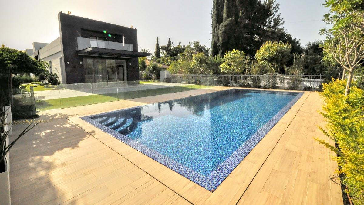 למכירה וילה חדשה בעיצוב מודרני  + בריכת שחיה