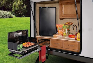 Campers with Outdoor Kitchens 10 Amazing Rvs Entertaining