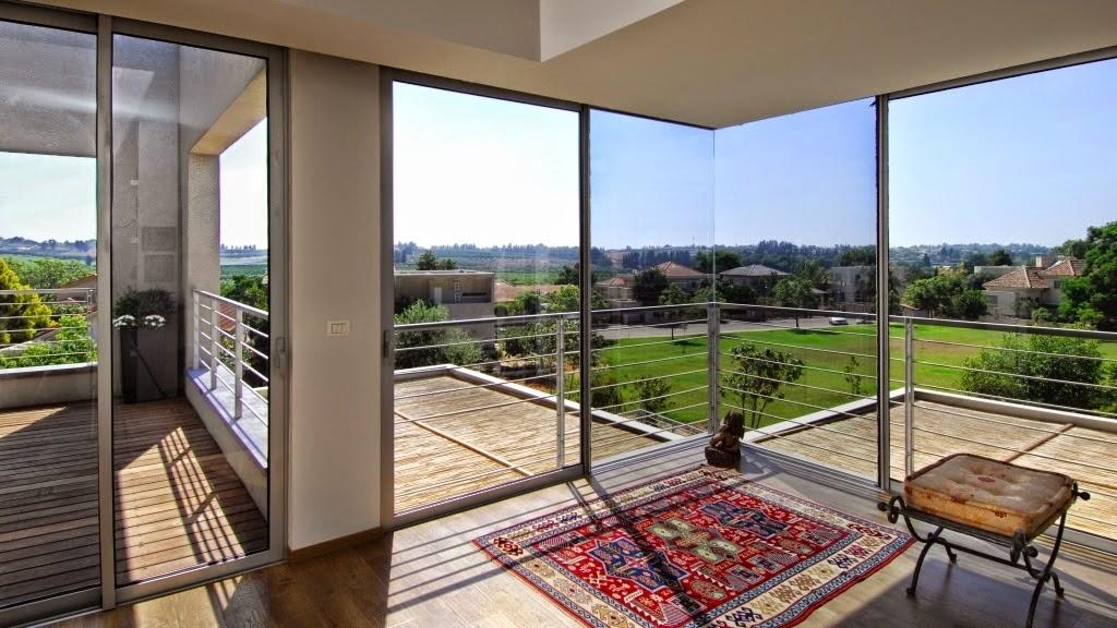 במושב בצרה למכירה בית מודרני טובל בירוק