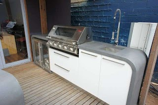 Outdoor Kitchen Benchtops Bar with Polished Concrete