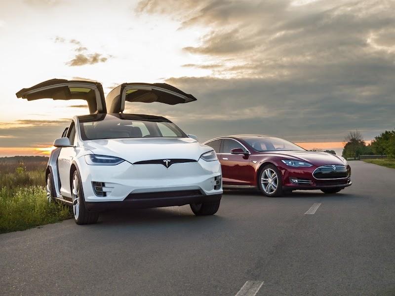 Tesla Model S AWD 100D Long Range németországi márkakereskedéstől