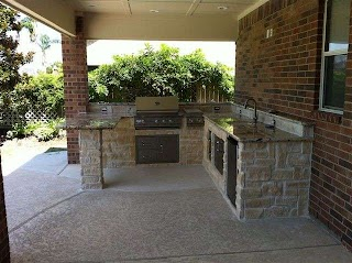 Houston Outdoor Kitchens and Fireplaces Contemporary Patio