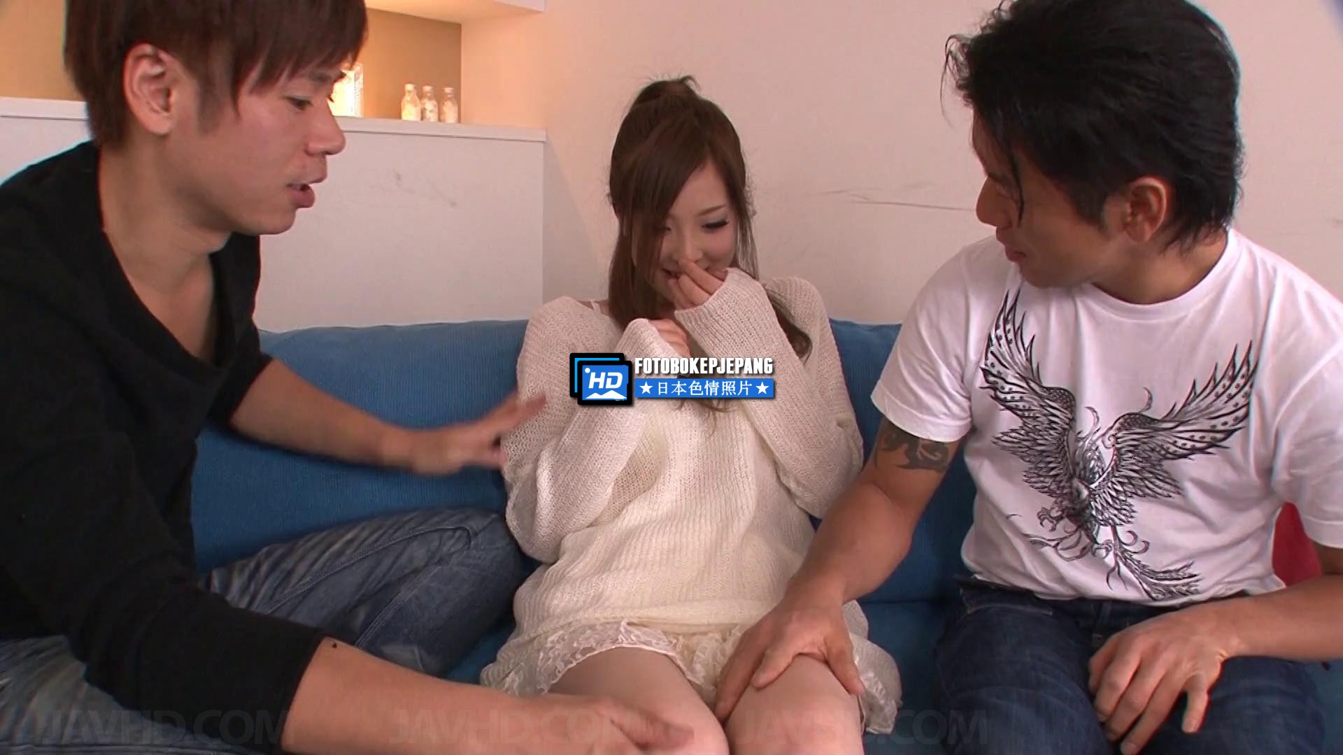 Marin Omi Has an Asian Blow Job And a Fuck To Give a Group (20)