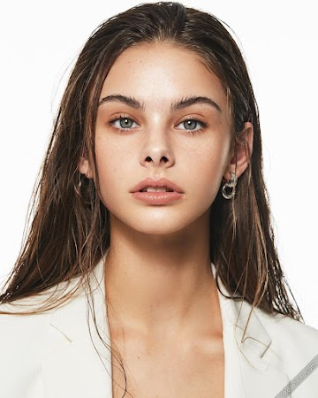 Meika Woollard 167th Photo