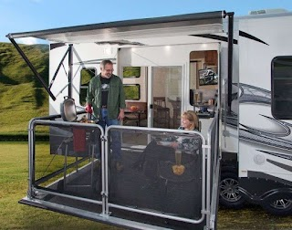 Fifth Wheel Outdoor Kitchen Inimitable Toy Hauler with Outside and Roll Up