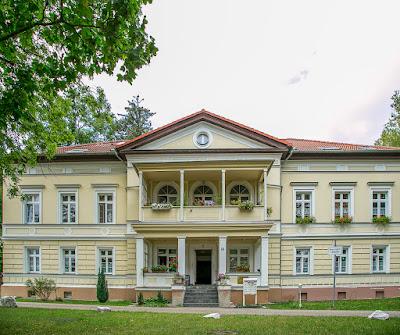 Porzellanfabrik und Villa Conta