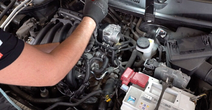 How to remove NISSAN QASHQAI 1.6 dCi Spark Plug - online easy-to-follow instructions