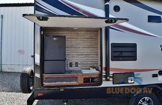 Outdoor Kitchen Travel Trailer Heartland Wilderness Bring The Outside Inside With