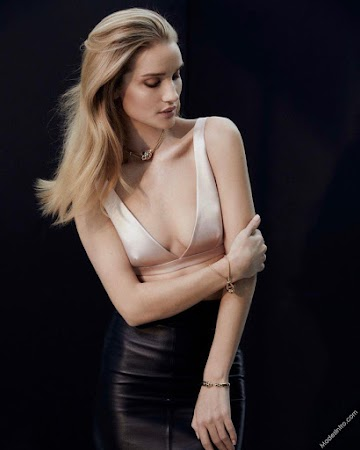 Rosie Huntington Whiteley 21st Photo
