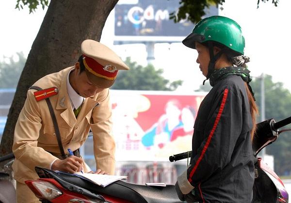 Không có bảo hiểm xe máy bắt buộc khi tham gia giao thông bị phạt bao nhiêu?
