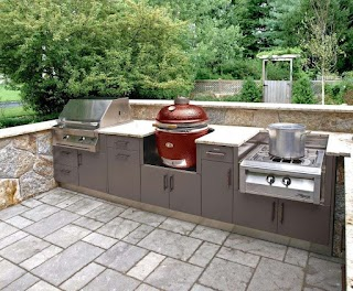 Outdoor Kitchen Layout This Compact Covers The Bases with a Grill