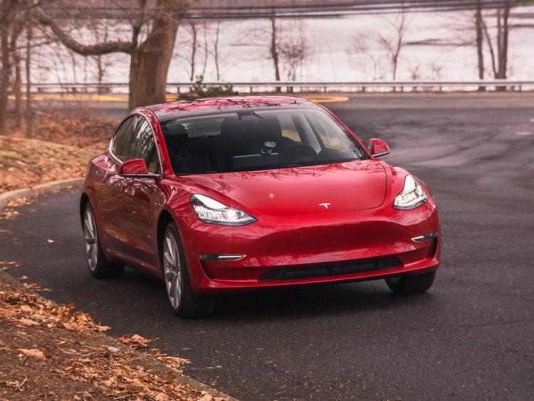 Elektromos autó lízing : Tesla Model 3