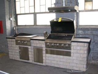 Grand Cafe Outdoor Kitchen Chic for Your Residence
