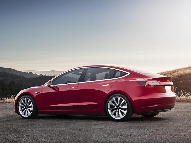 Tesla Model 3 Casco és Kötelező biztosítás