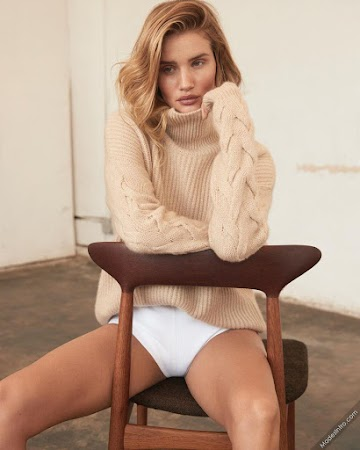 Rosie Huntington Whiteley 25th Photo