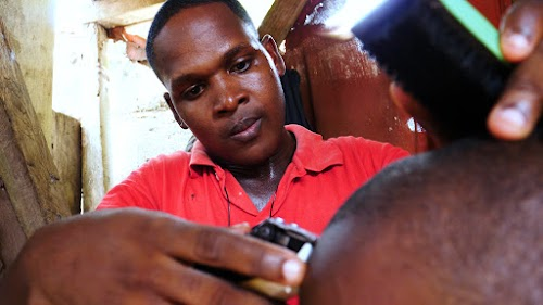 Weekly Mission Video - A Barber by Day, a Missionary at Night