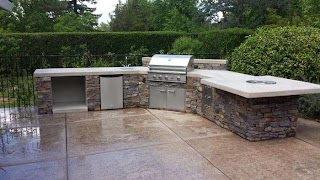 Custom Outdoor Kitchen and Luxury Built Fairfield