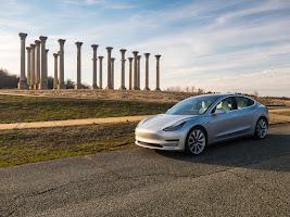 Tesla Model 3 lízing