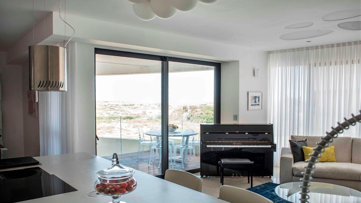 """למכירה דירת 140 מ""""ר מעוצבת אדריכלית במגדלי Blue תל אביב"""