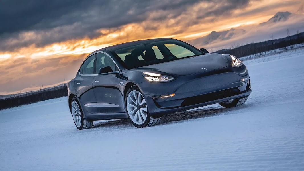 Eladó Tesla Model 3 - Eladó használt TESLA