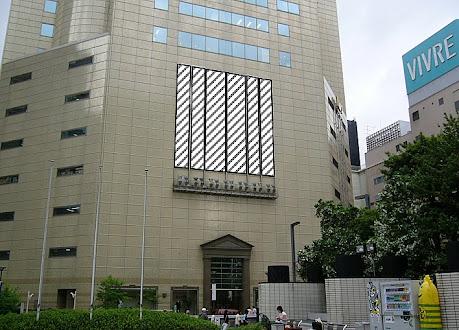 福岡イムズ  ライティングキャンバス (市庁舎側)