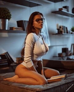 Viki Odintcova 199th Photo
