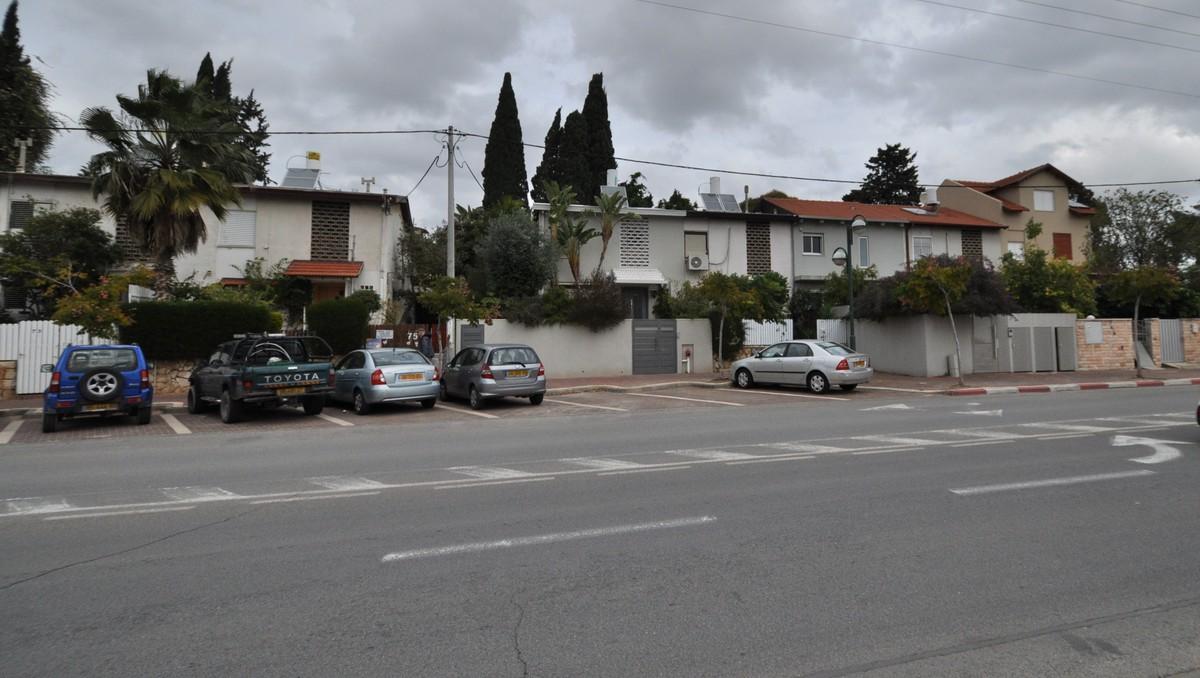"""ברחוב מלכים לכירה מגרש 680 מ""""ר לבניית 2 בתים"""